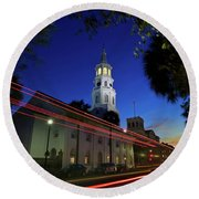 St. Michael's Episcopal Church In Charleston, South Carolina Round Beach Towel