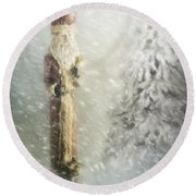 St Nicholas In The Snow Round Beach Towel