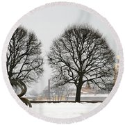 St. Petersburg - Winter Round Beach Towel
