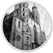 St Stephens Cathedral Vienna In Black And White Round Beach Towel