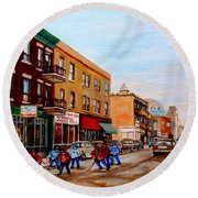 St. Viateur Bagel Hockey Game Round Beach Towel