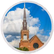 St Wenc On A Bright Summer Day Round Beach Towel