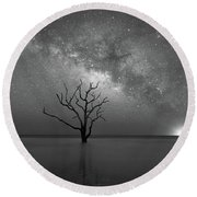 Standing Still Bw Round Beach Towel