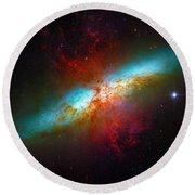 Starburst Galaxy M82 Round Beach Towel