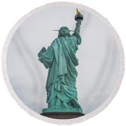 Statue Of Liberty Back Round Beach Towel