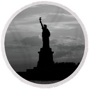 Statue Of Liberty, Silhouette Round Beach Towel