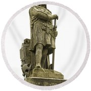 Statue Of Robert The Bruce Stirling Castle Round Beach Towel
