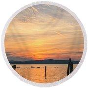 Steamy Hudson River Sunrise Round Beach Towel