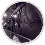 Steel Bridge Chicago Black And White Round Beach Towel