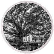 Still Faithful B W God Bethany Presbyterian Church The Old Oak Tree Greene County Georgia Art Round Beach Towel