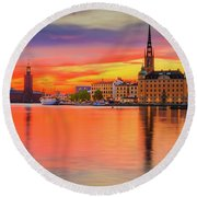 Stockholm Fiery Sunset Reflection Round Beach Towel