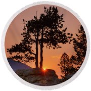 Stop Right Here - Rocky Mountain Np - Sunrise Round Beach Towel
