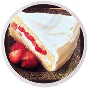 Strawberry Short Cake  Round Beach Towel