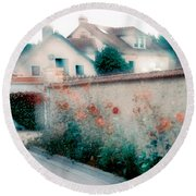 Street In Giverny, France Round Beach Towel