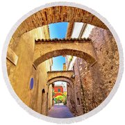 Street Of Sirmione Historic Architecture View Round Beach Towel