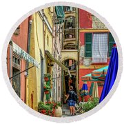 Street Scene Vernazza Italy Dsc02651 Round Beach Towel