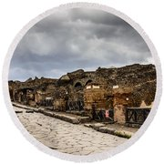 Streets Of Pompeii Round Beach Towel
