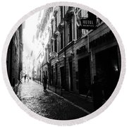 Streets Of Rome 2 Black And White Round Beach Towel