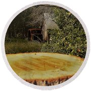 Stump Barn Car Round Beach Towel