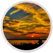 Summer Sunset Over The Delaware River Round Beach Towel