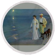 Summer Evening On The Beach At Skagen The Artist And His Wife Round Beach Towel