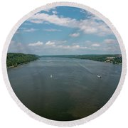 Summer Morning View Over The Hudson Round Beach Towel