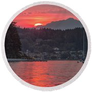 Summer Sunset Over Yukon Harbor.4 Round Beach Towel