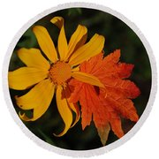 Sun Flower And Leaf Round Beach Towel