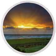 Sun Rays At Long Beach Washington During Sunset Round Beach Towel