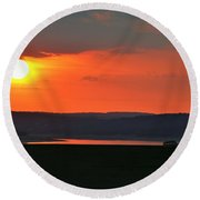 Sun Set Over Dam Round Beach Towel