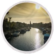 Sun Setting Over Canals Of Naples In Long Beach, Ca Round Beach Towel