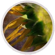 Sunflower On The Side Round Beach Towel