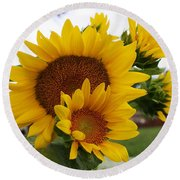 Sunflower Show Round Beach Towel