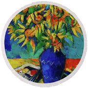 Sunflowers In Blue Vase Round Beach Towel