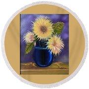 Sunflowers In Vase Round Beach Towel
