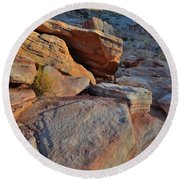 Sunlight Fades Out On Valley Of Fire Round Beach Towel