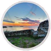 Sunrise At Castle Rock Marblehead Ma Rocky Coast Round Beach Towel