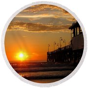 Sunrise At Daytona Beach Pier  004 Round Beach Towel