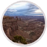 Sunrise At Mesa Arch - Canyonlands National Park - Moab Utah Round Beach Towel