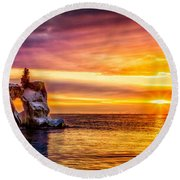 Sunrise At The Arch Round Beach Towel