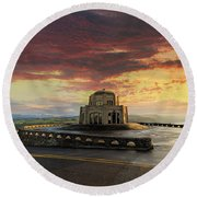 Sunrise At Vista House On Crown Point Round Beach Towel