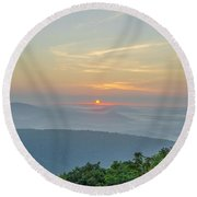 Sunrise From Indian Run Overlook - Shenandoah Mountains Round Beach Towel