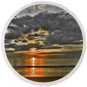 Sunrise-hdr-bw With A Touch Of Color Round Beach Towel