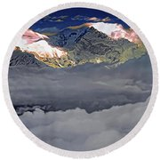 Sunrise On Kanchenjunga Round Beach Towel