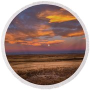 Sunrise On The Plains - Moon Over Prairie In Eastern Colorado Round Beach Towel