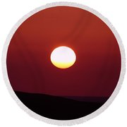 Sunrise Over The Wenas  Round Beach Towel