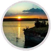 Sunrise Over Wilson Lake Round Beach Towel