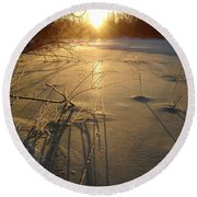 Sunrise Reflecting Off Mississippi River Ice Round Beach Towel