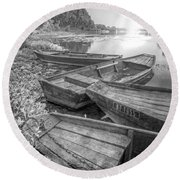 Sunrise Rowboats  In Black And White Round Beach Towel