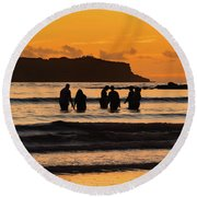 Sunrise Seascape With People Silhouettes Round Beach Towel